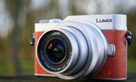 De nieuwste Panasonic GX800 is een flinke camera van zich-selfie